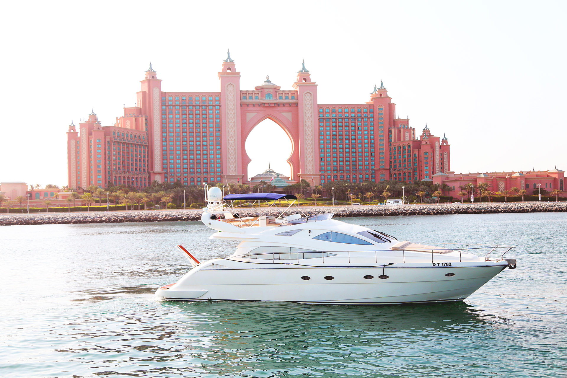 Book The Best In Class Yacht Charter Dubai